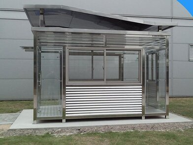 科技园区不锈钢钢化玻璃可开窗式吸烟亭 成品定制户外抽烟房